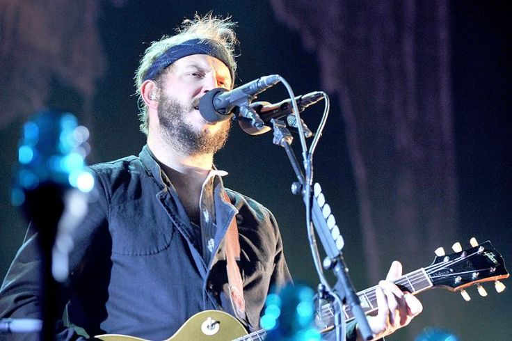bon-iver-perform-at-the-manchester-arena-2012