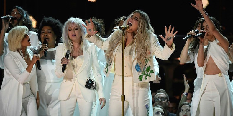 Kesha-Performance